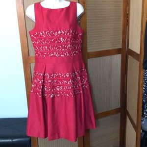 TAYLOR LINED DRESS SIZE 10